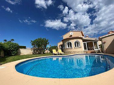 To rent Villa Denia