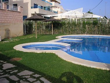 2003201911614_piscina2.jpg