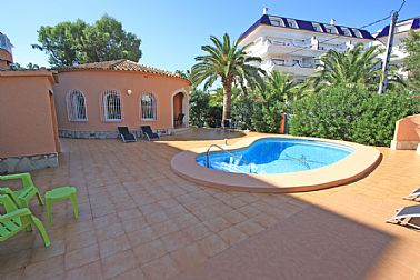 Property to buy Villa Denia